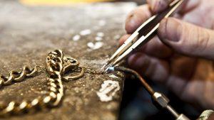 chain-repairs-300x169 Engagement Rings